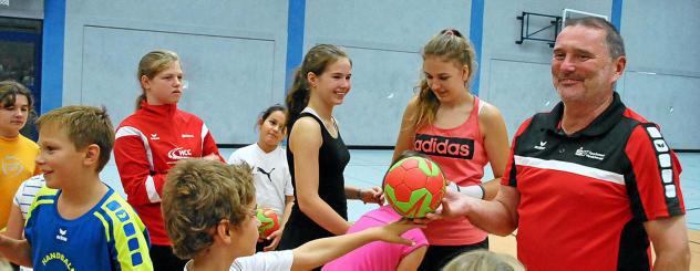 Ex-Handballtrainer Leukefeld sorgt für tolles Ferienerlebnis